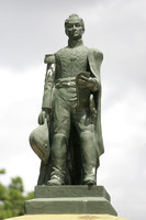 Simon Bolivar-Estatua Pedreste 1